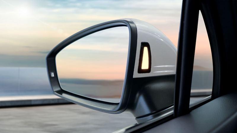 Función de detector de punto ciego activo en auto Volkswagen para evitar accidentes
