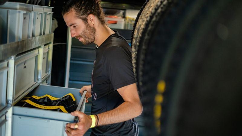 Yanick Gyger fournit des pièces détachées dans le Crafter