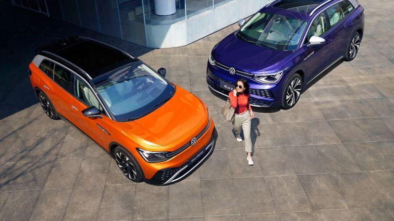 Imagen cenital de las camionetas SUV eléctricas ID.6 de Volkswagen