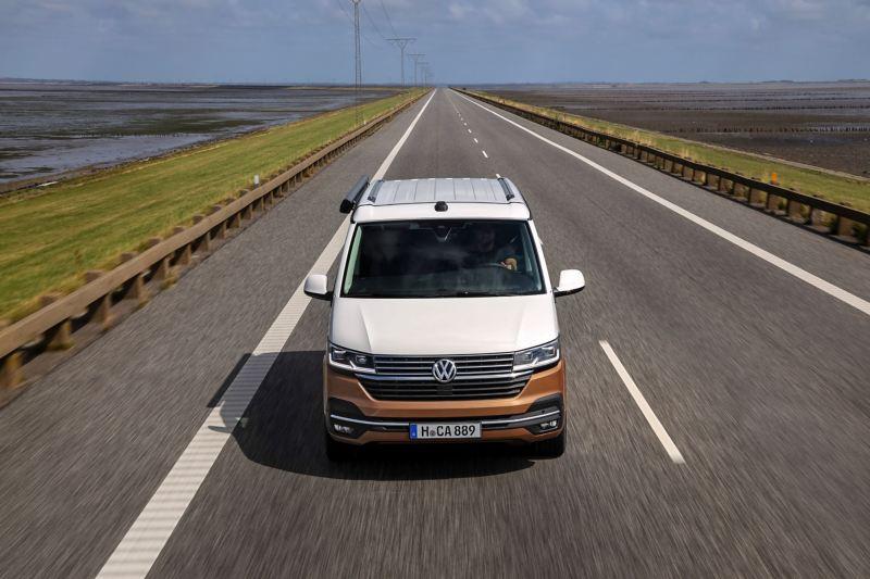 Volkswagen California 6.1 na drodze