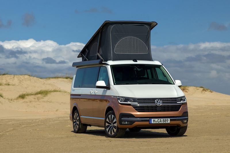 Volkswagen California 6.1 z rozłożonym namiotem dachowym