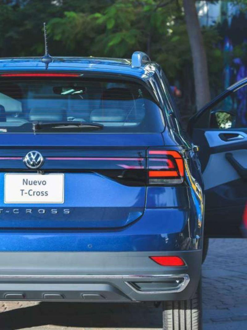 Nuevo T-Cross, el SUV con espacio amplio y diseño dinámico estacionado sobre calle