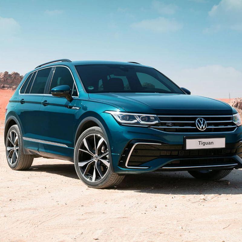 Volkswagen Tiguan in desert