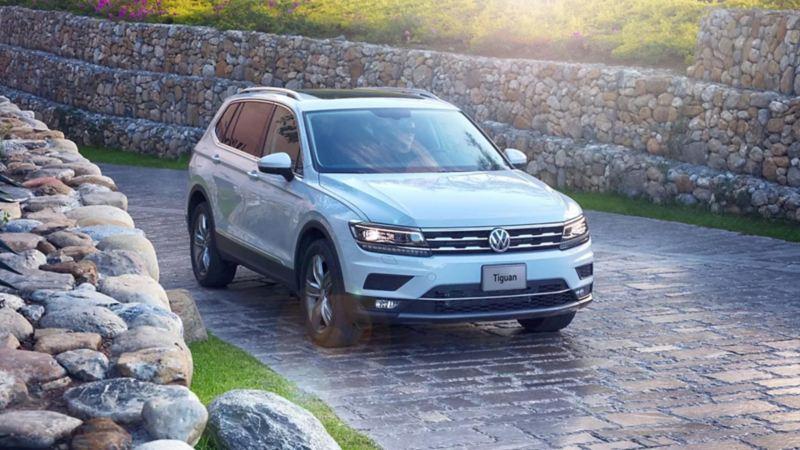 Tiguan Volkswagen - SUV más seguro con diseño moderno y dinámico equipado con Modular Transverse Toolkit