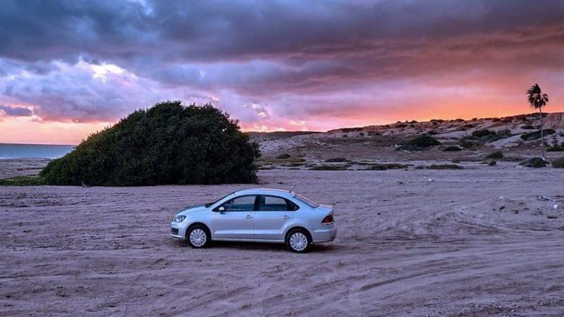 Vento el auto sedán de Volkswagen equipado con herramientas para cualquier emergencia