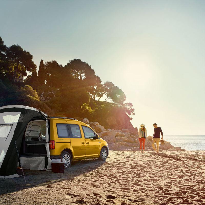 Minsta husbilen Volkswagen Caddy Beach kommer till Sverige