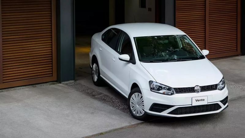 Volkswagen Vento - Auto sedán más seguro equipado con frenos ABS y control de velocidad crucero