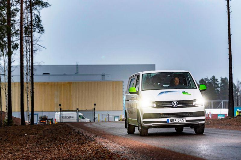 Volkswagen transportbilar ABT e-Transporter framifrån