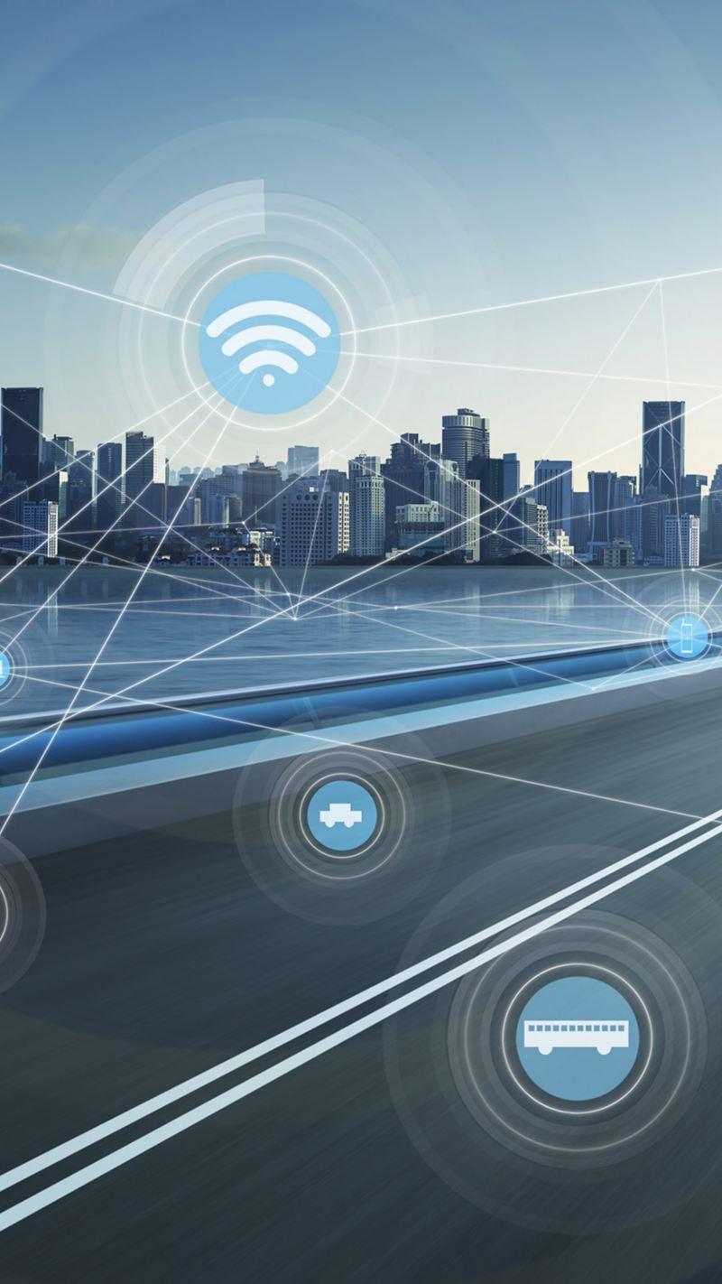Bild einer zweispurigen Brücke, die zu einer Stadt mit Hochhäusern führt. Darüber schwebt ein Netz abstrakter Symbole für Verkehr, Clouddienste, WLAN usw.