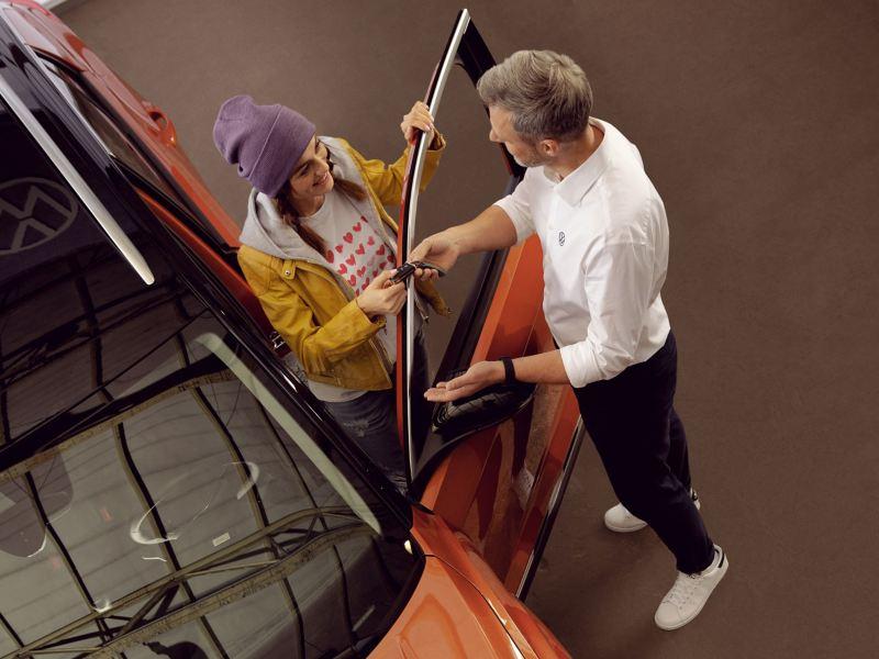 Conoce los pasos y beneficios de los servicios para el exterior de tu auto Volkswagen
