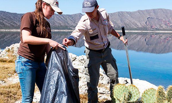 M.C José Alfredo Hernández Díaz ganador de programa Por Amor a México por conservación de anfibios