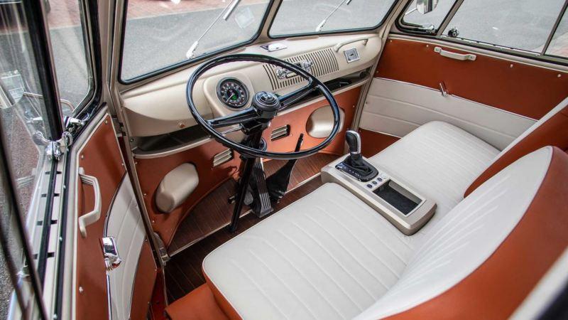 Cockpit eines Volkswagen T1