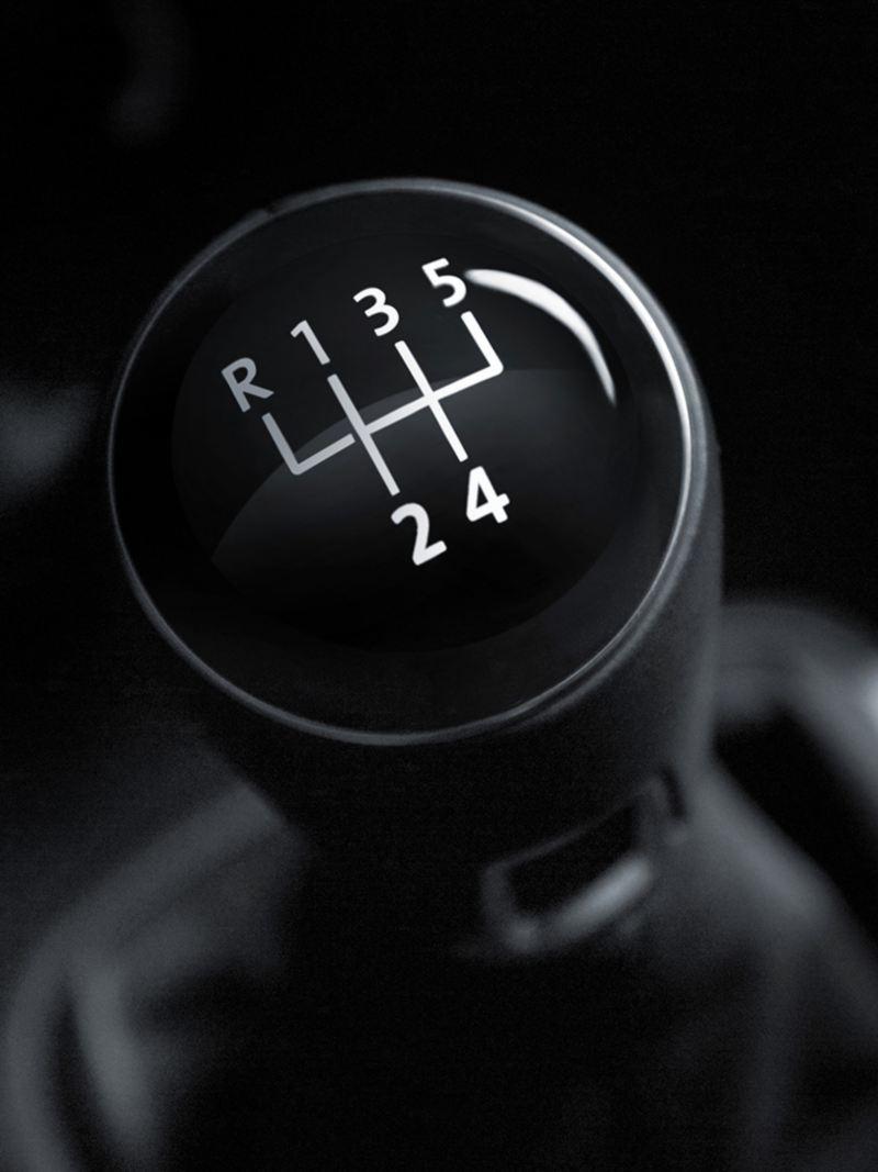 Cómo aprender a manejar auto estándar - Consejos y tips para volverte un experto al volante