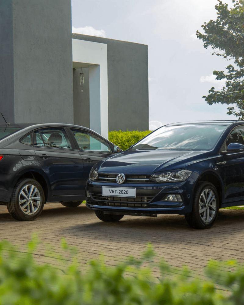 VW - Virtus Sedán estacionado en la cochera