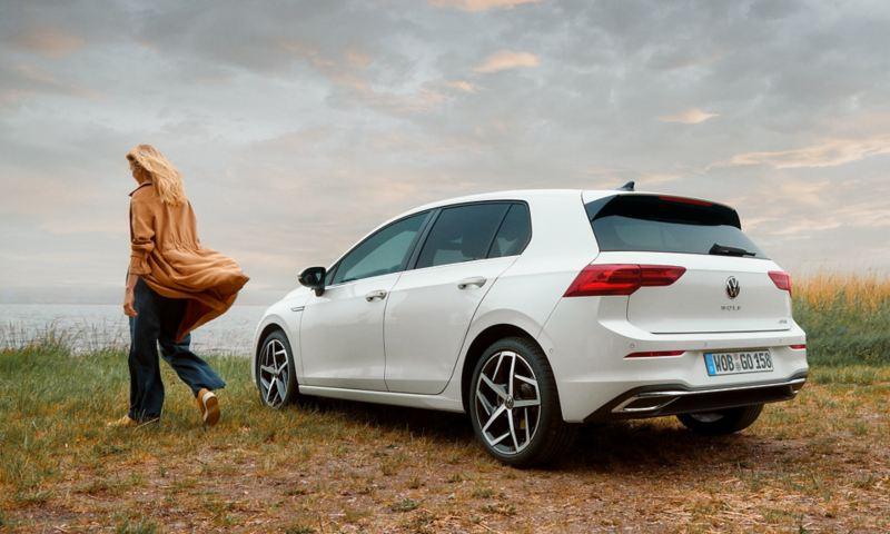 Πλαϊνή ή πίσω άποψη του  Volkswagen Golf eTSI