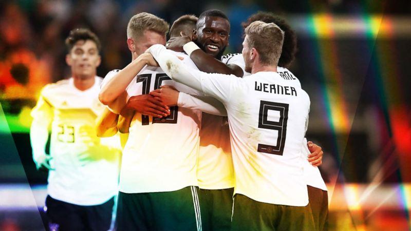 Antonio Rüdiger jubelt mit der deutschen Nationalmannschaft