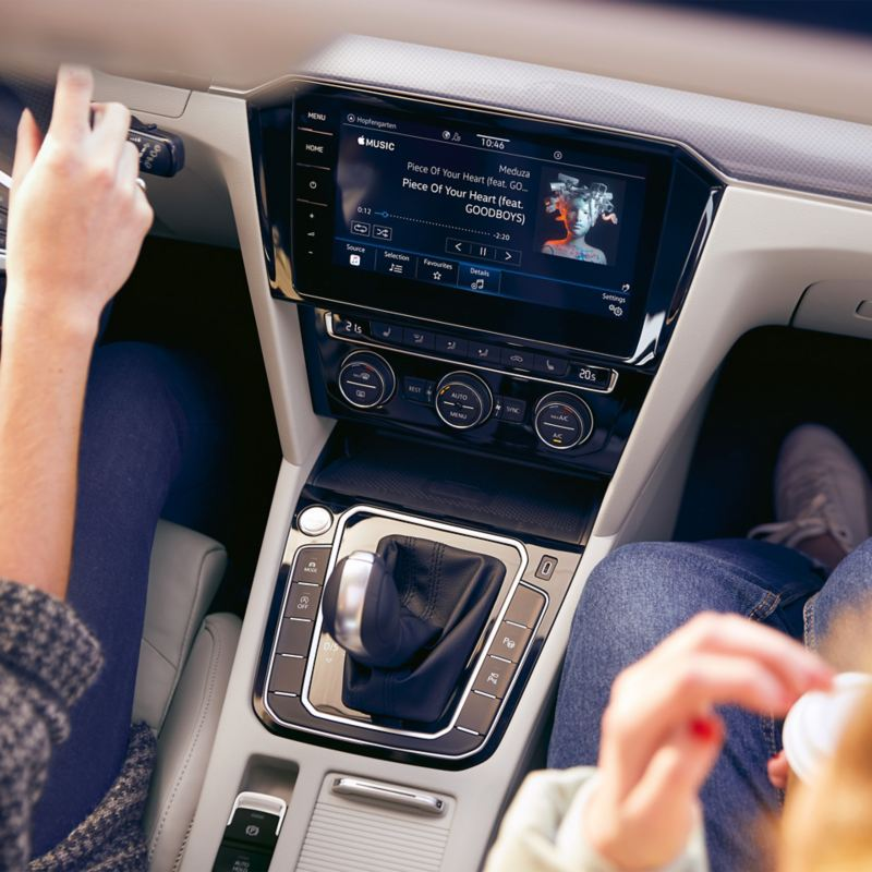 Music streaming directly in the infotainment system