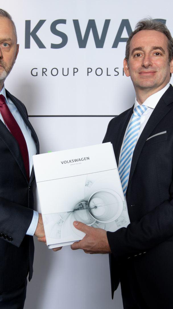 Nowe umowy pomiędzy Volkswagen Group Polska i dealerami wprowadzają sieć w cyfrową erę sprzedaży